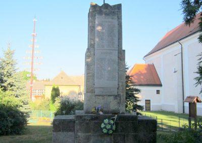 Városlőd világháborús emlékmű 2013.08.17. küldő-kalyhas (7)