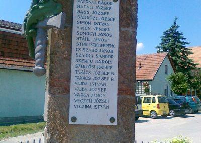 Várpalota- Inota világháborús emlékmű 2011.05.24. küldő-Csiszár Lehel (5)