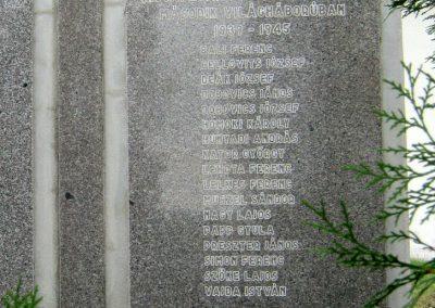 Várpalota-Inota világháborús emlékmű 2012.08.12. küldő-Emese (2)