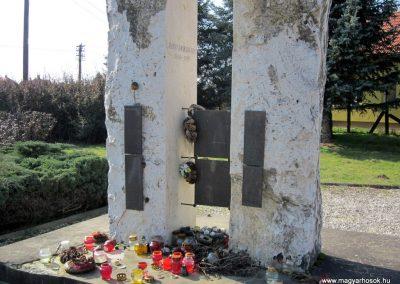 Vásárosnamény II. világháborús emlékmű 2014.02.24. küldő-kalyhas (3)