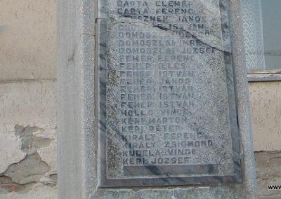 Vécs világháborús emlékmű 2007.07.18. küldő-kalyhas (4)