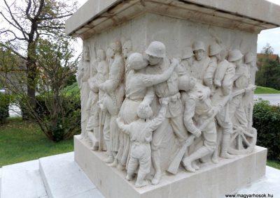 Vép I. világháborús emlékmű 2014.10.23. küldő-kalyhas (15)