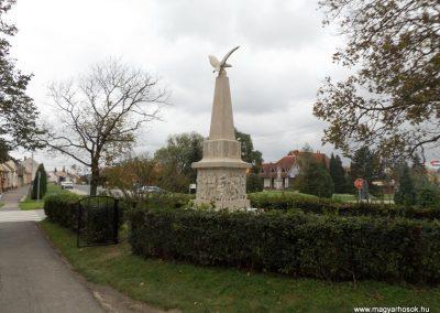 Vép I. világháborús emlékmű 2014.10.23. küldő-kalyhas (20)
