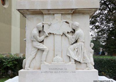 Vép I. világháborús emlékmű 2014.10.23. küldő-kalyhas (6)