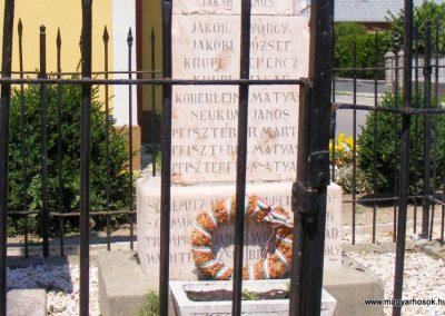 Vértessomló I.világháborús emlékmű 2012.06.16. küldő-Méri (3)