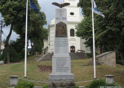 Vértesszőlős világháborús emlékmű 2008.07.04. küldő-Kályhás (1)