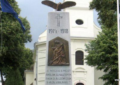 Vértesszőlős világháborús emlékmű 2008.07.04. küldő-Kályhás (2)