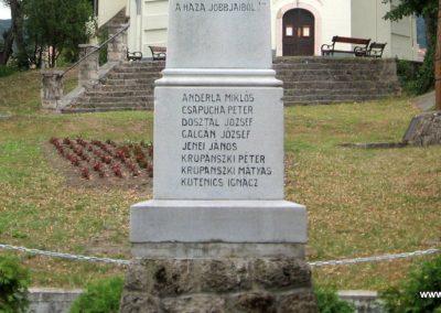 Vértesszőlős világháborús emlékmű 2008.07.04. küldő-Kályhás (3)