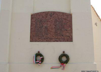 Vértestolna világháborús emléktáblák 2008.07.03. küldő-Kályhás (3)