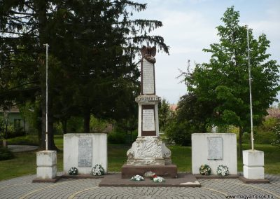 Vése világháborús emlékmű 2009.04.21.küldő-Sümec (1)