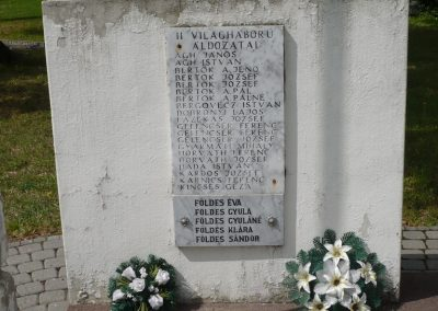 Vése világháborús emlékmű 2009.04.21.küldő-Sümec (7)
