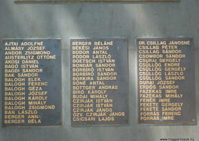 Vésztő világháborús emlékmű 2009.07.28. küldő-Sümec (3)