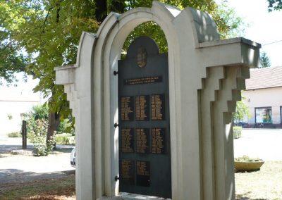 Vésztő világháborús emlékmű 2009.07.28. küldő-Sümec (5)