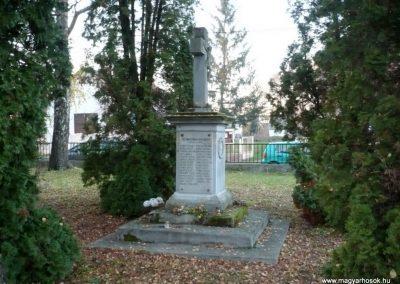 Vörs világháborús emlékmű 2013.12.01. küldő-Sümec (12)