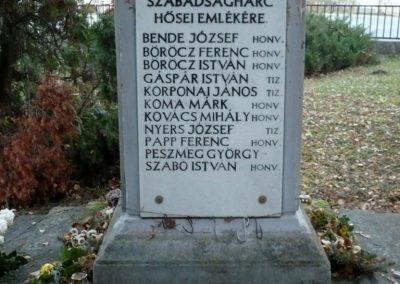 Vörs világháborús emlékmű 2013.12.01. küldő-Sümec (9)