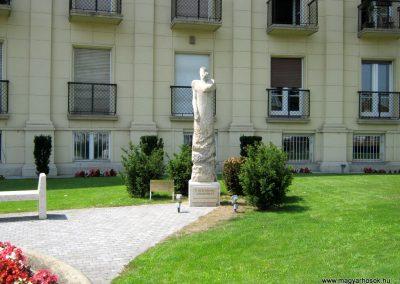 VI. kerület Andrássy út II. világháborús emlékmű 2014.07.21. küldő-Emese (10)