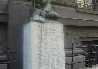 Budapest VI ker Izabella utca I - II világháborús emlékmû