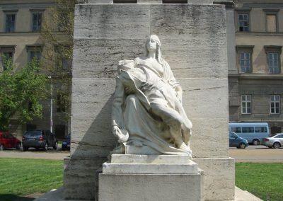 VIII. kerület Az egykori Ludovika épülete előtt világháborús emlékmű 2008.04.25.küldő-Huszár Peti (1)