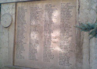 VIII. kerület ELTE háborús emlékmű 2009.09.27. küldő-Huszár Peti (3)