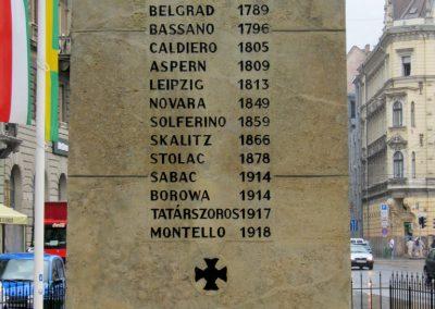 VIII. kerület Harminckettesek tere 32-es Mária Terézia Budapesti Háziezred emlékműve - felújítás után 2014.07.22. küldő-Emese (3)
