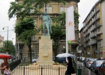 VIII. kerület Harminckettesek tere 32-es Mária Terézia Budapesti Háziezred emlékműve - felújítás után 2014.07.22. küldő-Emese