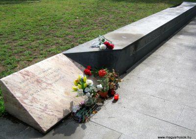 VIII. kerület Kerepesi temető II. világháborús emlékmű 2014.07.17. küldő-Emese (2)