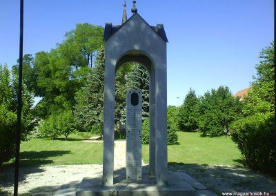 Vaja világháborús emlékmű 2008.06.02.küldő-Ősz Béláné