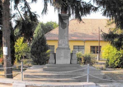 Vajszló világháborús emlékmű 2012.08.01. küldő-KRySZ