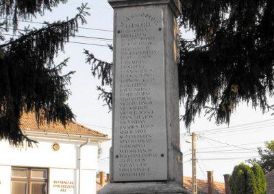 Vajszló világháborús emlékmű 2012.08.01. küldő-KRySZ (9)