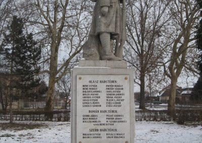 Valkó világháborús emlékmű 2010.01.26. küldő-kalyhas (10)
