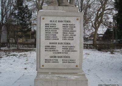 Valkó világháborús emlékmű 2010.01.26. küldő-kalyhas (11)