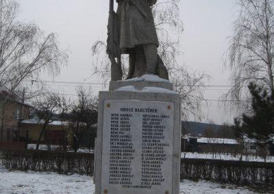 Valkó világháborús emlékmű 2010.01.26. küldő-kalyhas (12)