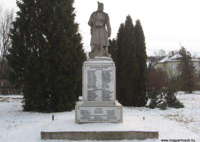 Valkó világháborús emlékmű 2010.01.26. küldő-kalyhas (14)