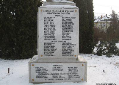 Valkó világháborús emlékmű 2010.01.26. küldő-kalyhas (15)