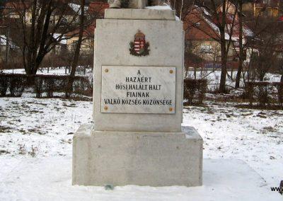 Valkó világháborús emlékmű 2010.01.26. küldő-kalyhas (9)