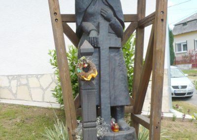 Valkonya világháborús emlékmű 2013.06.27. küldő-Sümec (2)