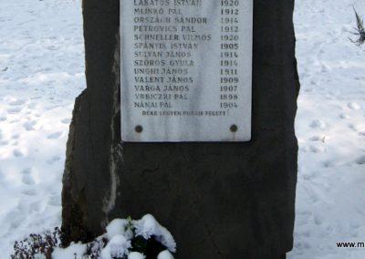 Vanyarc Hősi emlékmű 2010.01.26. küldő-kalyhas (17)