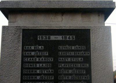 Varbó világháborús emlékmű 2011.08.17. küldő-Röghegyiné Spisák Anita (4)
