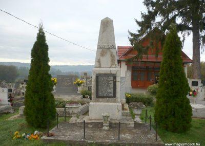 Vasboldogasszony II. világháborús emlékmű 2013.10.17. küldő-Sümec (1)