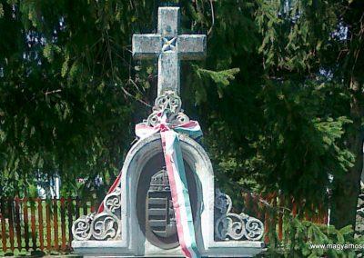 Vasegerszeg világháborús emlékmű 2010.08.10. küldő-Csiszár Lehel (2)
