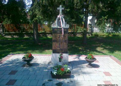 Vasegerszeg világháborús emlékmű 2010.08.10. küldő-Csiszár Lehel (4)