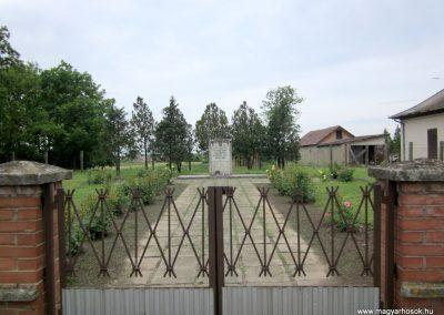 Vasmegyer világháborús emlékmű 2013.05.23. küldő-kalyhas (1)