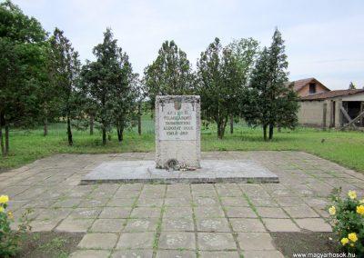 Vasmegyer világháborús emlékmű 2013.05.23. küldő-kalyhas (2)