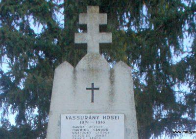 Vassurány világháborús emlékmű 2009.10.07. küldő-Prófusz György (1)