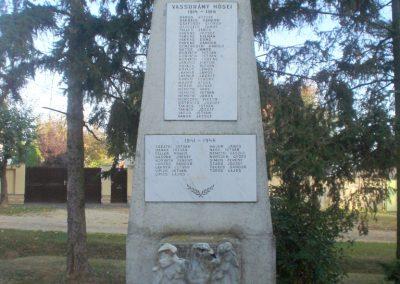 Vassurány világháborús emlékmű 2009.10.07. küldő-Prófusz György