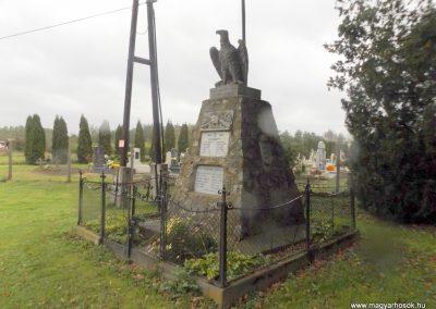 Vasszécseny világháborús emlékmű 2014.10.23. küldő-kalyhas (9)