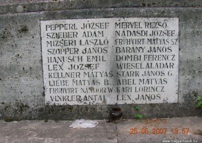 Vecsés világháborús emlékmű 200705.25. küldő-Markó Peti (13)