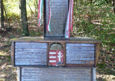 Velemér hősi emlékmű 2012.09.28. küldő-Sümec (2)