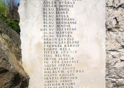 Verőce II. világháborús emlékmű 2013.04.22. küldő-kalyhas (3)