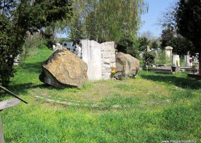 Verőce II. világháborús emlékmű 2013.04.22. küldő-kalyhas (4)